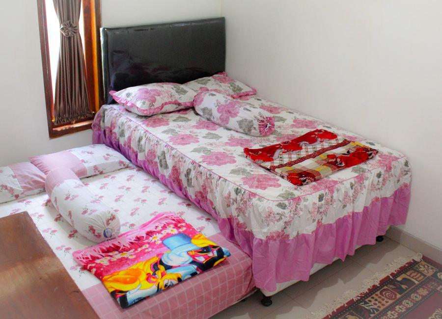 Kamar 3 Omah Mercubuana homestay