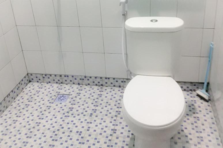 Toilet Homestay Jogja Omah Bandara