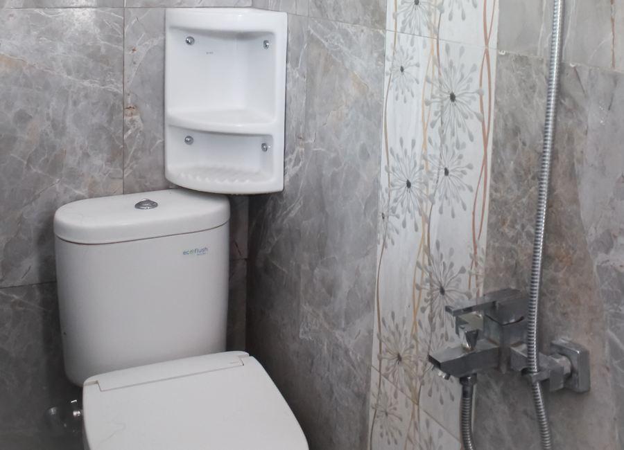 Toilet Homestay Jogja Omah Banguntapan