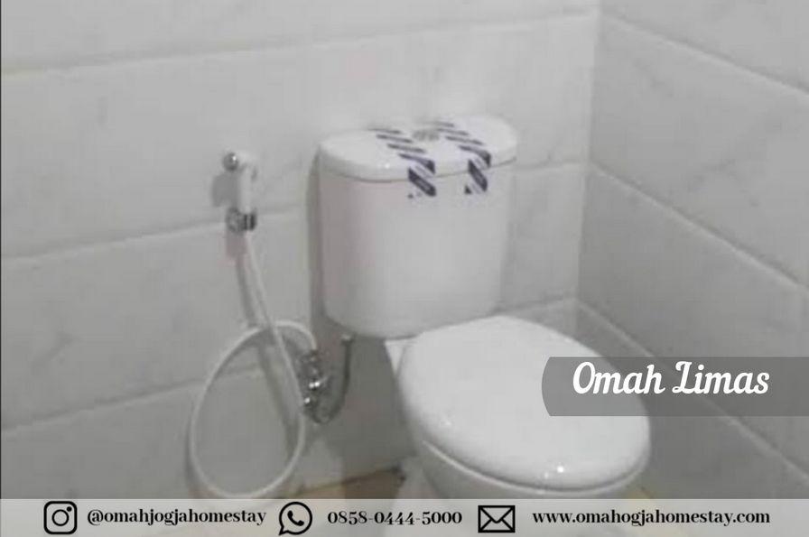 Homestay Omah Limas Jogja - Kamar Mandi