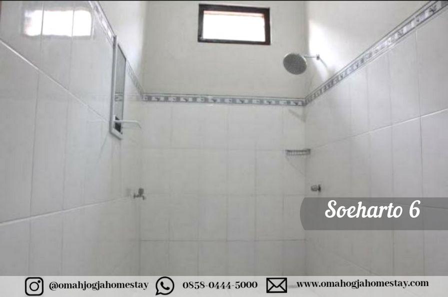 Homestay Omah Soeharto 6 - Kamar mandi